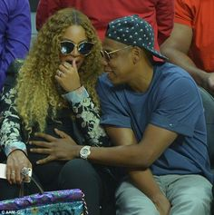 Expecting twins: Beyonce and Jay Z attended a basketball game in LA on Sunday and the Tidal mogul was seen tenderly placing his hand on his pregnant wife's belly 4 Weeks Pregnant, Pregnant Wife, Beyonce Pregnant Twins, Beyonce Knowles Carter, Beyonce And Jay Z, Jayz Beyonce, Expecting Twins, Beyonce Style, Girls Dress Up