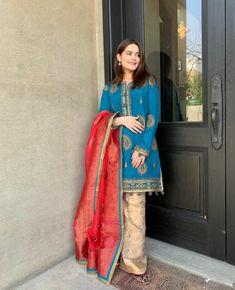 Top 10 Asian Celebrities Who Dress Up Modestly Simple Pakistani Dresses, Pakistani Fashion Casual, Pakistani Girl, Pakistani Dress Design, Pakistani Actress, Pakistani Outfits, Pakistani Clothing, Pakistani Models, Pakistani Dramas