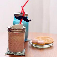 小さい頃、友人のお家で出てきたミックスジュースが我が家のものと比べて格段に美味しくて、作り方を聞いたらバニラアイスが入ってました。アイスがあるのとないのとでは、コクが格段に違います!!お試しあれ♡ - 22件のもぐもぐ - 【ドリンク】アイスが決め手のいちごミルク by cocumicocumi