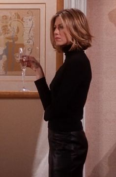 Every single outfit from Friends wed still totally wear today Rachel Green Outfi Rachel Green Outfits Friends Green outfi outfit Rachel single Today totally Wear Wed Jennifer Aniston Short Hair, Jenifer Aniston, Jennifer Anniston Bob, Jennifer Aniston Hairstyles, Rachel Green Hair, Rachel Green Outfits, Hair Inspo, Hair Inspiration, Medium Hair Styles