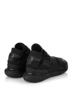 ブラックスニーカー QASA HIGH-TOP TRAINERS | Y-3 ワイ・スリー | メンズ - 靴 - スニーカー | Black | 海外通販ならLASO(ラソ)