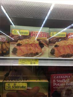 Tamales! Tamales son muy bueno pero éstos son congelados y baratos. Tamales tiene la carne envuelta en masa y es muy tradicional de mesoamericanos.