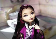 Amazon.com: Ever After High Getting Fairest Raven Queen Doll: Toys & Games