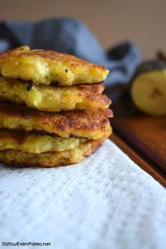 Crazy Easy Pan-Fried Plantain Patties: 2 mins prep, cook time 5 mins, total time 7 minutes: 1 yellow/brown plantain 1 Tb tapioca flour tsp cinnamon (optional) ghee (or other choice of cooking fat, as needed) Paleo Recipes, Mexican Food Recipes, Cooking Recipes, Eggless Recipes, Alkaline Recipes, Paleo Meals, Free Recipes, Empanadas, Autoimmun Paleo