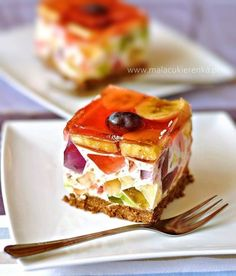 Easy no bake rainbow cheesecake. (in Polish) Jello Cheesecake, Rainbow Cheesecake, Rainbow Jello, Good Food, Yummy Food, Polish Recipes, Food Cakes, Something Sweet, Cakes And More