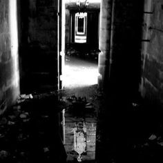 Photo taken at an unknown insane asylum. Very creepy Scary Places, Haunted Places, Scary Things, Creepy Stuff, Abandoned Asylums, Abandoned Places, Desert Places, Fear Of The Dark, Insane Asylum