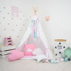 Teepee tent Snow Queen takes you to the wonderland of fun, joy and happiness. It can be a place for morning tea with mum, daily play with friends and evening books reading with dad. Playing in teepee developes kids imagination and creativity, IMPORTANT! Designed for children over 3 years old. Younger kids and babies can play in it under adult supervision! What is included: -fabric teepee tent with 2 windows - wooden (pine) poles x4 - tie - mat (depending on the selected option) - Teepee…