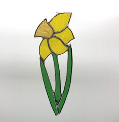 Daffodil Stained Glass Suncatcher - The British Craft House Welsh Gifts, Small Studio, Beautiful Gifts, Wonderful Things, Suncatchers, Daffodils, Colored Glass, Home Crafts, Craft House