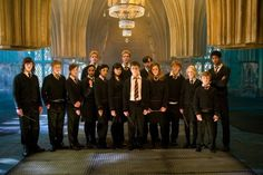 A gallery of Harry Potter and the Order of the Phoenix publicity stills and other photos. Featuring Daniel Radcliffe, Rupert Grint, Emma Watson, Bonnie Wright and others. Harry James Potter, Quiz Harry Potter, Estilo Harry Potter, Mundo Harry Potter, Harry Potter Universal, Harry Potter Movies, Harry Potter Hogwarts, Hrry Potter, Daniel Radcliffe