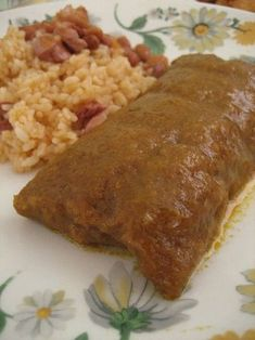 Puerto Rican Pasteles - - Pasteles have a long history, but they are still extremely popular in modern-day Latin American cuisine. They are very common at festivals, family gatherings and parties. This is a very labor-inten…. Pasteles Puerto Rico Recipe, Puerto Rican Recipes Rice, Puerto Rican Cuisine, Puerto Rican Dishes, Puerto Rico Food, Easy Puerto Rican Pasteles Recipe, Comida Boricua, Boricua Recipes, Cuban Recipes