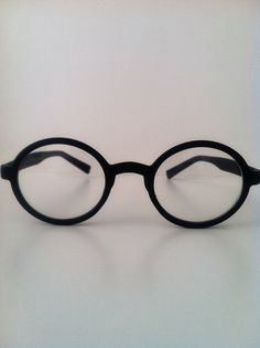 Round black modern vintage eye glasses (costume)