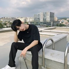 Image may contain: one or more people, people sitting, shoes, sky and outdoor Korean Boys Hot, Korean Boys Ulzzang, Korean Couple, Ulzzang Boy, Korean Men, Korean Girl, Cute Asian Guys, Asian Boys, Asian Men