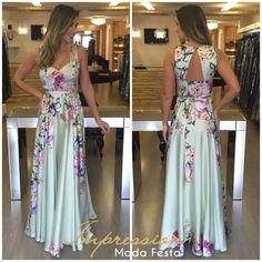VESTIDO LONGO ESTAMPADO DE FESTA Western Dresses, Western Outfits, Indian Dresses, Cute Dresses For Party, Prom Dresses, Wedding Dresses, Cute Maxi Dress, Floral Maxi Dress, Outfits For Mexico