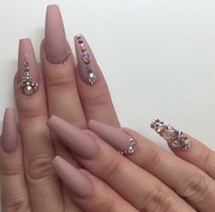 The Truth About Matte Nails Design Coffin Bling 24 Nude Nails, Matte Nails, Coffin Nails, Gorgeous Nails, Pretty Nails, Hair And Nails, My Nails, Fall Nails, Nagel Bling