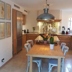 cuisine Ateliers POivre d'Ane chic et intemporelle #atelierspoivredane #intemporel #lacanche Home Decor, Furniture, Decor, Table