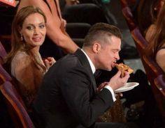 Brad Pitt genio comiendo pizza en los Oscar2014