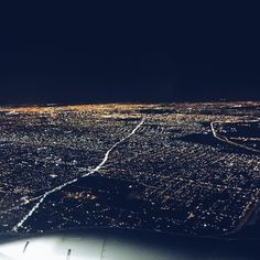 Big city life!  #ciao #buenosaires #bereadyforlotsofTBT!!! #lppcityguidetoargentina #viewfromthesky #fromwhereisit #planeview #touchdown #argentina #travel #flyingovertheboyshome ;-)