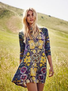 Free People FP New Romantics Fiesta Floral Dress at Free People Clothing Boutique Hippie Chic, Bohemian Style, Boho Chic, Women's Fashion Dresses, Boho Fashion, Fall Fashion, Style Fashion, Outfit Chic, Diy Vetement