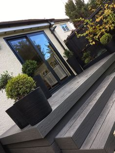 glass balustrades raised patio steps liverpool - Sunrock Balconiesglass balustrades raised patio steps liverpool - Sunrock Ideas For Raised Patio Bifold The price of raising a stone paver patio vs building a composite deck Back Patio, Backyard Patio, Backyard Landscaping, Quick Patio Ideas, Patio Deck Designs, Flagstone Patio, Slate Patio, Raised Patio, Patio Steps