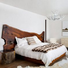Natural lines, in a boho rustic design that will inspire you. The Egmond bed comes with a solid wood live edge headboard is various colours. #milanode #furniture #bedroom #bed #kingsize #superkingsize #solidwood #liveedge #rustic #boho #timeless #unique #quality #design #decoration Bedroom Bed, Bedroom Ideas, Natural Line, Live Edge Wood, Rustic Design, King Size, Solid Wood, Beds, New Homes