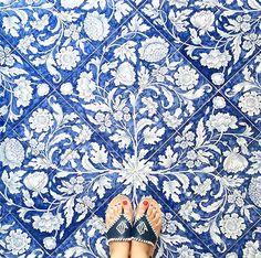 Our Favorite Floors: 25 Reasons to Look Down – Design*Sponge Blue Tiles, White Tiles, Italian Tiles, Delft, Tile Patterns, Tile Design, Pattern Design, Decorative Objects, Bass