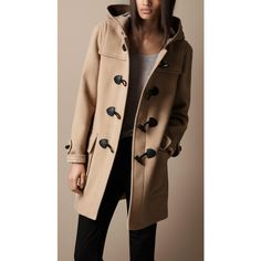 Burberry Wool Duffle Coat, the chic and classic trench. Typical and essential in Kensington.