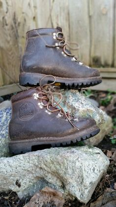 Best Quality World Renowned Vintage MEINDL Hiking Boots Brown Leather Made in Bavaria West Germany with Italian made Vibram Montagna Block Wild Fire Safety Soles at AgeOfRewind Brown Leather Boots, Brown Boots, Leather And Lace, Leather Jacket, Best Hiking Boots, Mountaineering Boots, Boho Fashion, Mens Fashion, Wild Fire