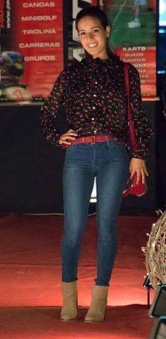 711Levis+blusa Levis+ cinturon y bolso Salsa Jeans