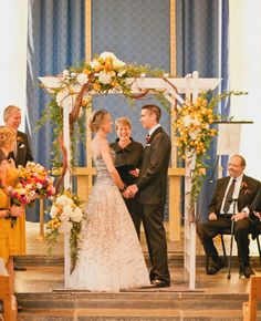 Inside Wedding Arbors   Incredible Rustic Style Weddings and the Flowers To Match