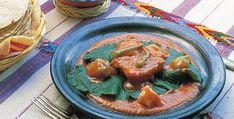 Receta de mole amarillo. El mole amarillo es un platillo típico de la comida oaxaqueña. México Desconocido te da esta receta de Oaxaca para que la prepares en casa.