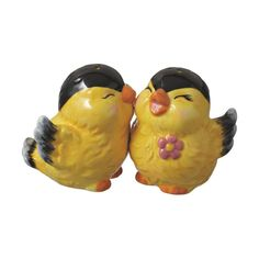 Love Birds Salt and Pepper Shaker -omggg these are soooo cute! perfect for Easter!