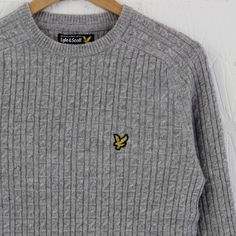 Lyle and Scott Crew Neck Cable Pullover (Light Grey Marl) #lyleandscott #knitwear #cableknit #newentrystore