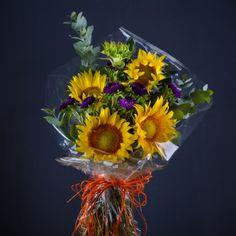 Bravura grației. Buchet de 17 flori cu floarea-soarelui și aster mov Buchete de Flori