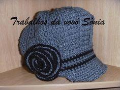 Trabalhos da vovó Sônia: Boina feminina cinza e preta - crochê