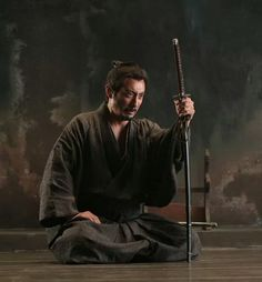 "Japan(日本),Samurai(侍) & Life( 生活 ) — ""The two hardest tests on the spiritual road are. Samurai Poses, Ronin Samurai, Samurai Warrior, Japanese Warrior, Japanese Sword, Aikido, Karate, Die A, Sword Poses"