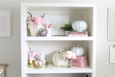 Decorate your bookshelf for fall with blush pink, white and gold accents! home décor; how to decorate for fall. Bookshelf Styling, Bookshelves, Fall Floral Arrangements, Velvet Pumpkins, Colorful Interiors, Office Decor, Fall Decor, Color Schemes, Gold Accents
