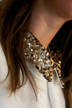 Gold, silver and black sequin collar Classy And Fabulous, Collar Necklace, Sport Fashion, Clothing Items, Passion For Fashion, Fashion Beauty, Studs, Autumn Fashion, Sequins