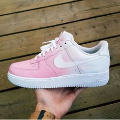Air Force 1 (Basic Pink) Comment 🔥 or 🗑 。This Custom shoe was Done By 👉 👈 ✅If you are interested in this shoe please contact… Air Force Shoes, Nike Shoes Air Force, Souliers Nike, White Nike Shoes, Nike Custom Shoes, Aesthetic Shoes, Cute Sneakers, Sneakers Nike, Hype Shoes