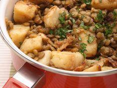 תבשיל עדשים ותפוחי אדמה ( צילום: כפיר חרבי, סגנון: דלית מרחב )