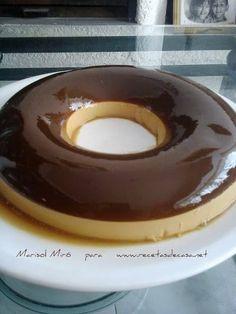 Rescatamos hoy el Flan de café bicolor (29-07-2013) de nuestro viejo y primer blog recetasdecasa.net. Es una receta muy emotiva