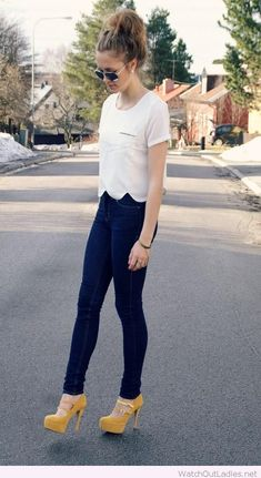 Dark jeans, white top and yellow high heels || casual outfit inspiration || spring summer style