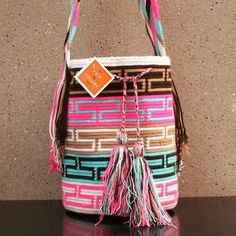 """Large Wayuu Bag """"L"""" - Colombia Diy Crafts Knitting, Crochet Projects, Hand Knitting, Knitting Patterns, Crochet Patterns, Crochet Tote, Knit Crochet, Tapestry Crochet, Purses And Bags"""
