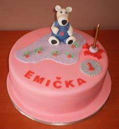 cake with white bear