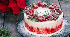 Cake This Winter Cake is an impressive dessert that everybody will love, perfect for winter holidays.This Winter Cake is an impressive dessert that everybody will love, perfect for winter holidays. Christmas Cake Decorations, Holiday Cakes, Holiday Baking, Christmas Desserts, Christmas Treats, Christmas Baking, Christmas Deco, Winter Christmas, Winter Torte