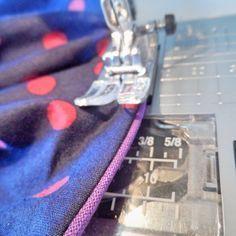 Auf den Blogs findet man ja allerlei total tolle und nützliche Tips rund ums Nähen. Vieles konnte ich mir schon abgucken und anwenden. Heute... Sewing Basics, Sewing Hacks, Sewing Tutorials, Sewing Crafts, Susa, Handmade Headbands, Knitted Headband, Sewing Techniques, Sewing For Kids