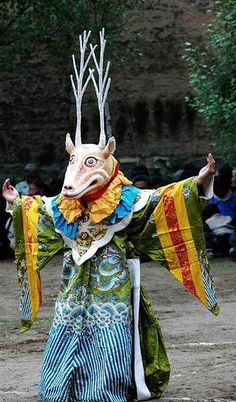 A monk in the deer's costume performing religious dance called Cham in Tibet. Arte Tribal, Tribal Art, Tibet, Folk Costume, Costumes, Dance Costume, Deer Costume, Charles Freger, Art Premier