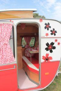 Happy Vintage caravan