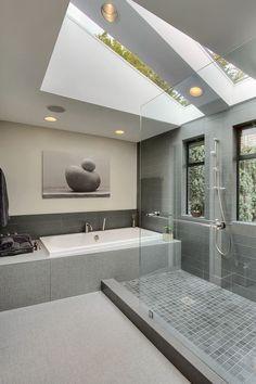 Lovely Bathroom Skylights Salle De Bain Mansarde Combles Douche Italienne Bains