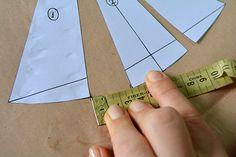 Tutorial: ¿Cómo hacer el molde del Triángulo Bikini? | El Taller de Mariette Bikini 2018, Lingerie, Behind The Scenes, Sewing Patterns, Projects To Try, Swimsuits, Ideas, Bikinis, Vestidos