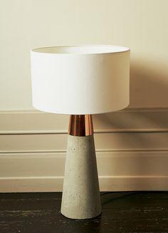 Lampe à Poser En Béton Et Métal Cuivré H64cm   RUTH   Lampes